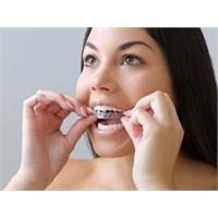Eğri Ve Ayrık Dişler Kaderiniz Değil