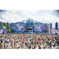 Tomorrowland: Kızlı Erkekli Tehlikeli Bir Festival