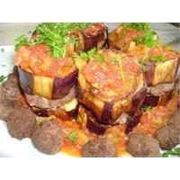 Farklı Lezzetlerden Patlıcanlı Paşa Kebabı