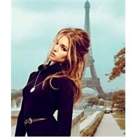"""""""Parisli Kadın"""" İmajı Hayalinizde Nasıl Canlanıyor"""