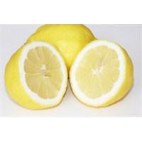 Yağlı Ciltlere Yumurta Akı Ve Limonlu Maske