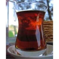Çayı Balla Tadlandırın