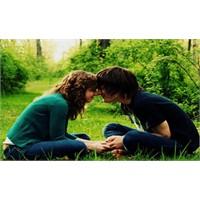 Mutlu Aşk İçin 10 Romantik Öneri