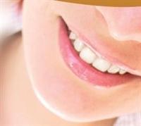Güzellik Uzmanı Suna Dumankaya Dişleri Beyazlatıcı