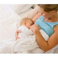 Emzirme Bebeklerdeki Obezite Riskini Azaltıyor