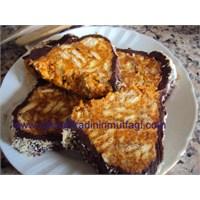 Kremalı Pekmezli Havuçlu Mozaik Pasta