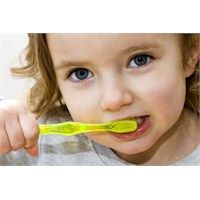 Süt Dişleri İhmal Etmeyin