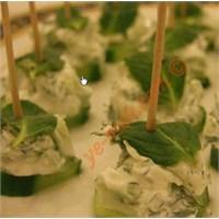 Labneli Salatalık Kanepeleri (Resimli Anlatım)