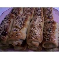 Fırında Nefis Paçanga Böreği