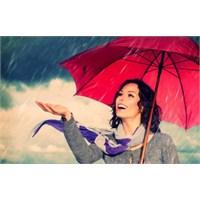 Kışın Yağmurlu Havada Makyaj Teknikleri