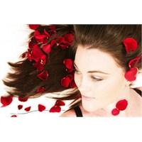 Saç Dökülmesine Karşı Doğal Ve Bitkisel Çözümler