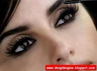 Işıl Işıl Gözler Ve Uzun Kirpikler İçin