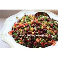 Meksika Fasülyesi Salatası - Birseninmutfagi.Com
