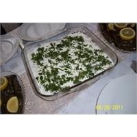 Kıymalı Yoğurtlu Patates Salatası