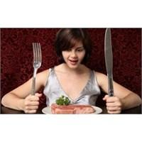 Yemeğini Hızlı Yiyenler Aman Dikkat Edin!