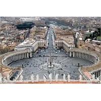 Vatikan'ın Kalbi Güzel San Pietro Meydanı