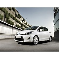 Toyota Yaris Hybrid Geliyor