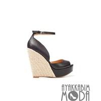Zara'dan En Sık Tercih Edilen Ayakkabı Tasarımları