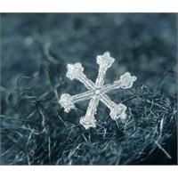 Kar Taneleri Şekillerini Nasıl Alırlar?