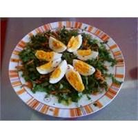 Salata Üstü Yumurta
