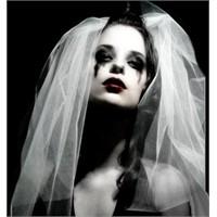 Bazı İnsanlar Hiç Evlenmemeli