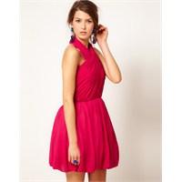 Elbise Renginin En Moda Pembe Tonları