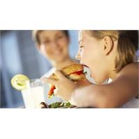 Hazır Gıdaları Çocuğunuza Yedirmeyin