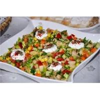 Harika Sebze Salatası Nasıl Hazırlanır