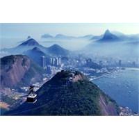 Rio'nun Eşsiz Manzarasına Tepeden Bakış