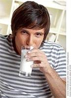 Erkekler Süt İçerek Formda Kalıyor