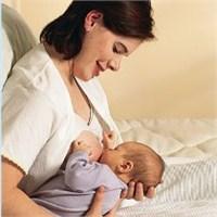 Emzirme Bebekte Astım Riskini Düşürüyor
