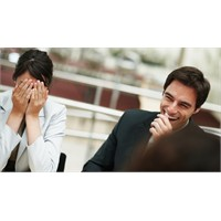 Eşinizle Aynı İşyerinde Çalışmak İlişkinize Zarar