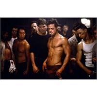Erkeklerin Kafes Dövüşleri Ve Wwe'e Olan İlgisi