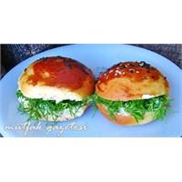 Sakallı Poğaça Sandwich Tarifi