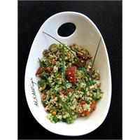 Quinoa Salatası