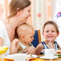 Bebeğinize Yemeği Böyle Yedirin