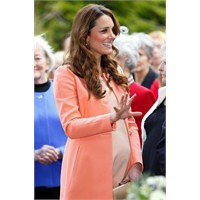 Kate Middleton: Tara Jarmon Manto