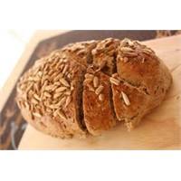 Lezzetli Tahıllı Ekmek