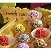 Renkli Çikolatalı Bayramlık Trufflar (Resimli)