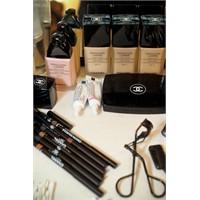 Chanel Defilesinin Kozmetik Masası