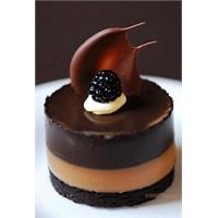 Karamelli Çikolata Pasta Tarifi