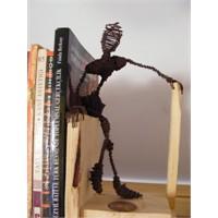 Kitaplarınızı Küçük Adamlar Taşısın...