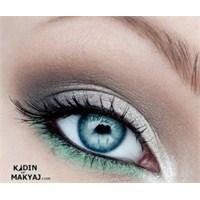Mavi Gözlüler İçin Göz Makyajı
