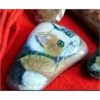 Taştan Kediler