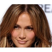 Jennifer Lopez Makyajı Nasıl Yapılır?