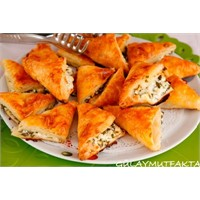 Peynirli Üçgen Börek