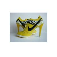 Nike Topuklu Ayakkabı Modelleri!