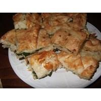 Peynirli- Ispanaklı Kolay Tepsi Böreği