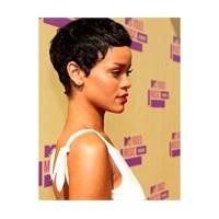 Rihanna'nın Kısa Saçları