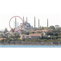 Tarihi Adanın Silüetinden Yükselen Kuleler